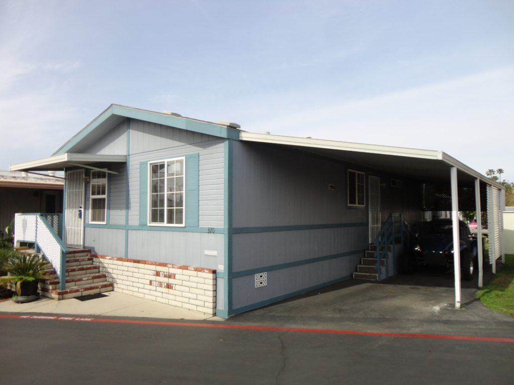 buy a mobile home exterior