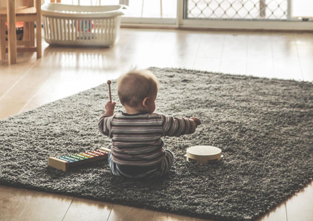 simple space rug play