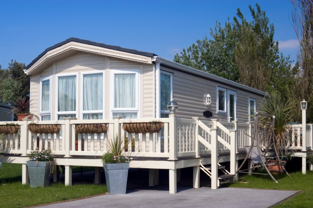 Best time to buy a mobile home midsummer