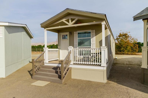 Cottage style mobile home