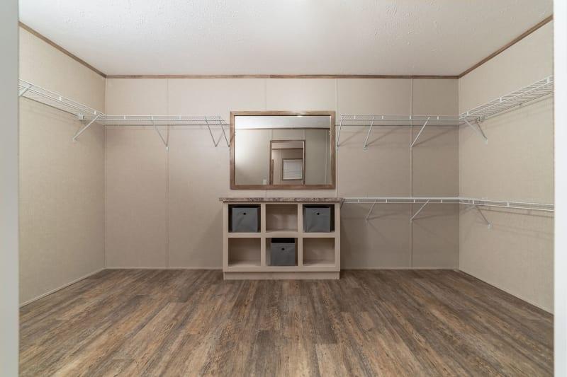 4 bedroom mobile home master closet